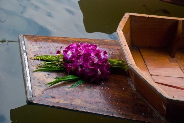 flowersonboat